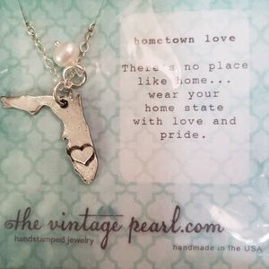 The Vintage Pearl ♡ Florida Necklace NWT